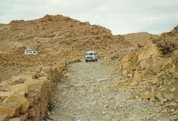 Sehr steinige Abfahrt Richtung Boudnib