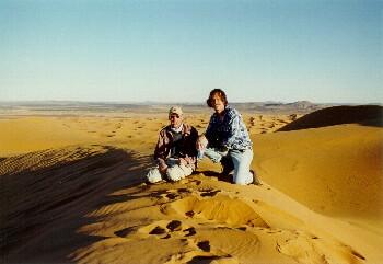 Michael und Markus auf der höchsten Düne im Erg Chebbi